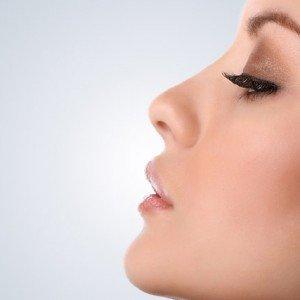 Levantar la punta de la nariz