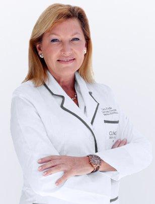 Doctora Julia Carbajo | Clínicas Diego de León